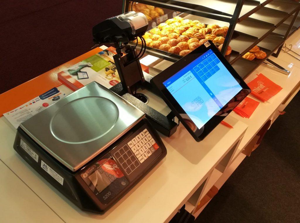 Minit fornetti orange zostava so zákazníckym displejom a váhou
